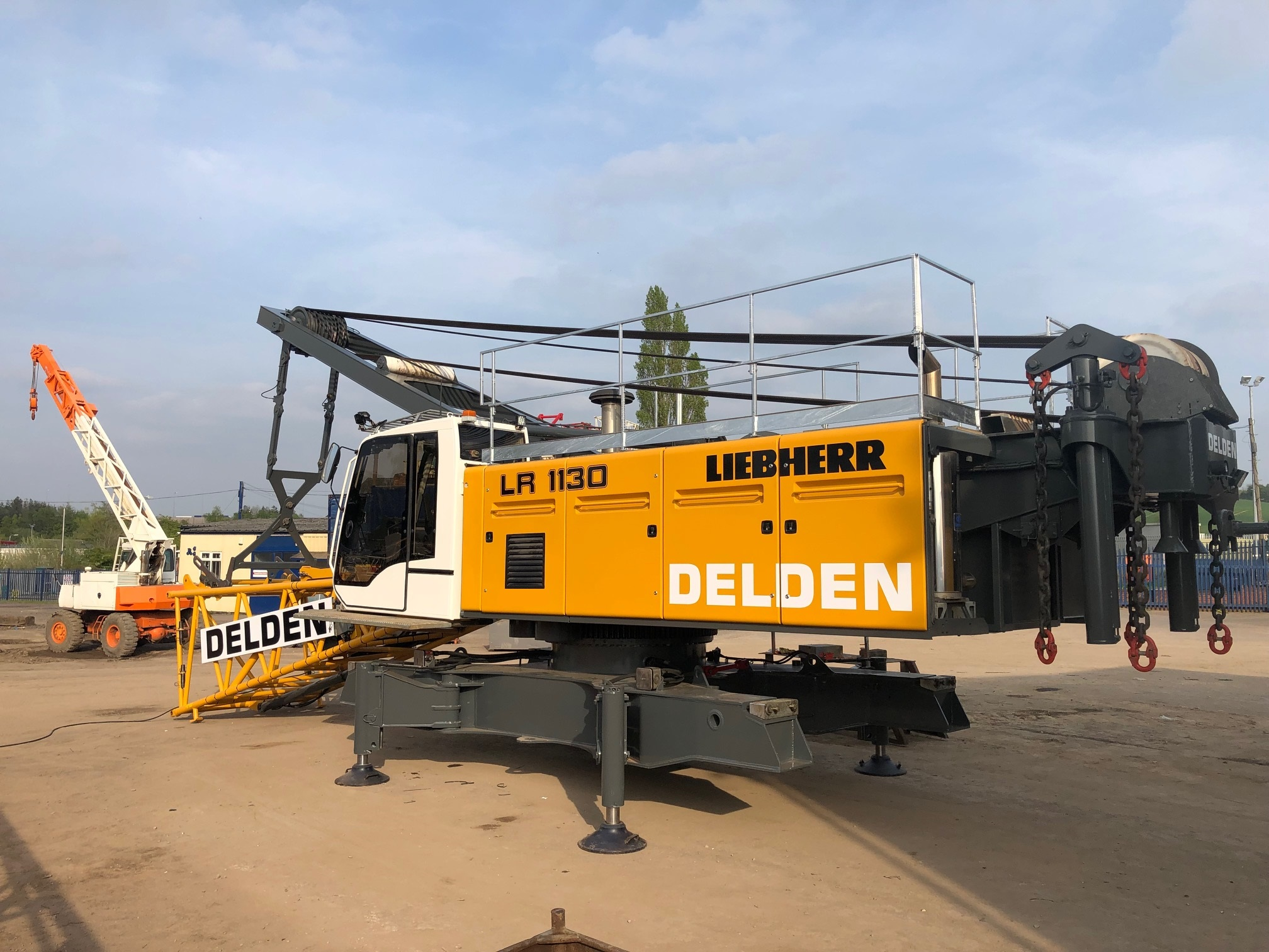 Liebherr LR1130 for sale